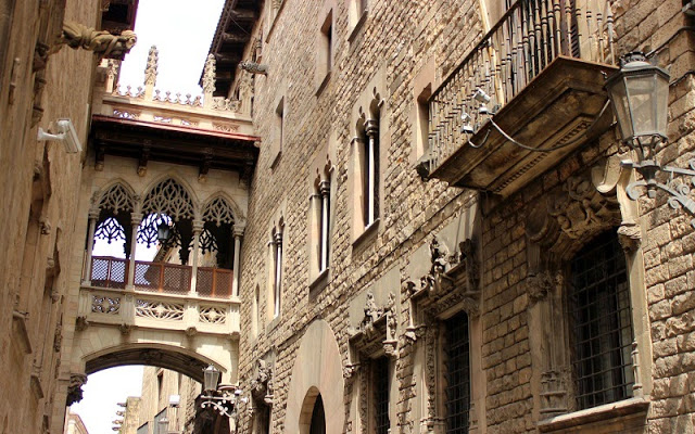 Barcelona Gothic Quarter Cathedral architecture