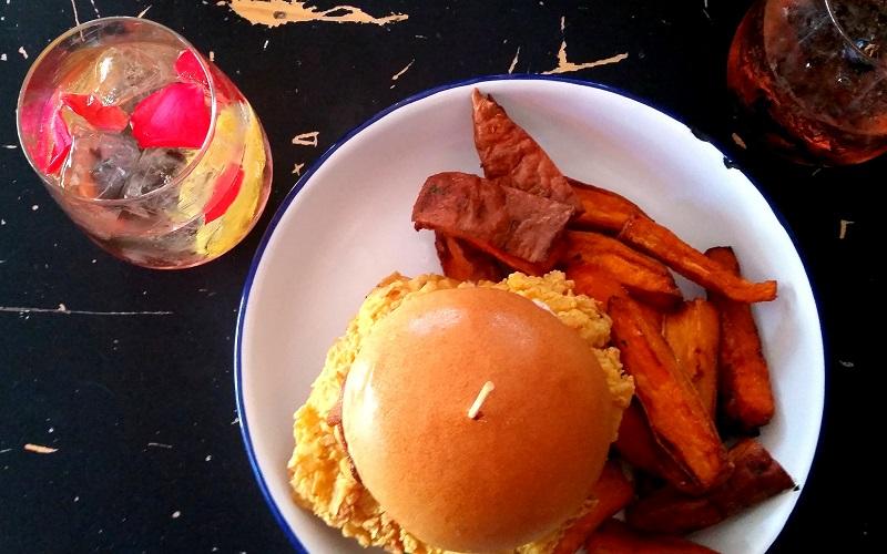 Review | Burgers & Cocktails @ Ben's Canteen