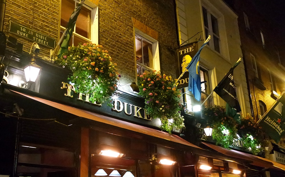 Dublin Literary Pub Crawl blog review The Duke