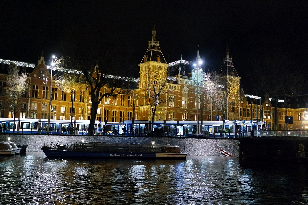 Amsterdam night time river cruise