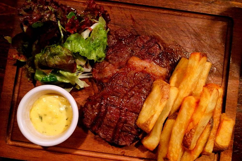 The Punchbowl London Steak Chips Dinner