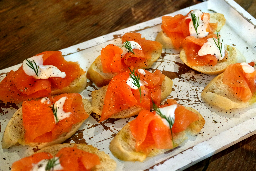 No32 bar Clapham canapes