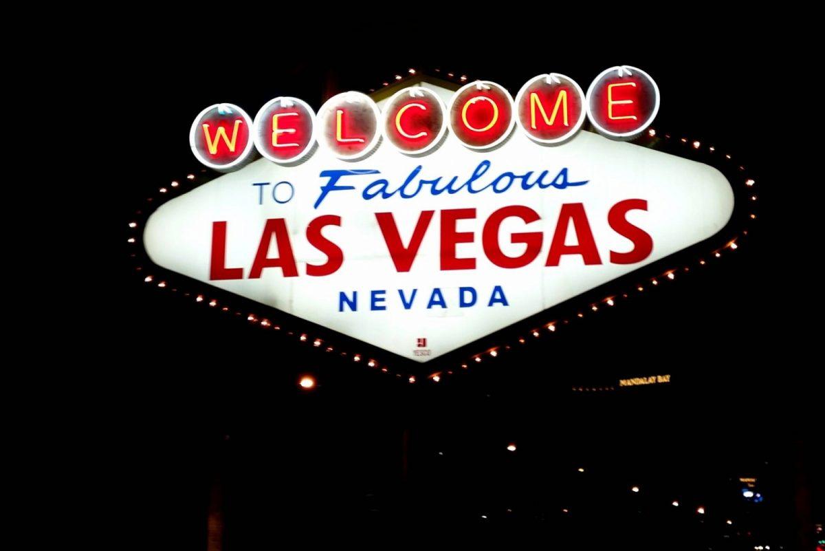 Vegas Sign at night