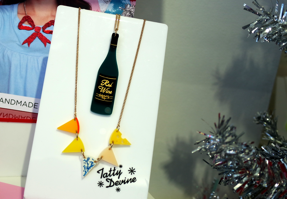 Tatty Devine Red Wine and Cheese Necklace