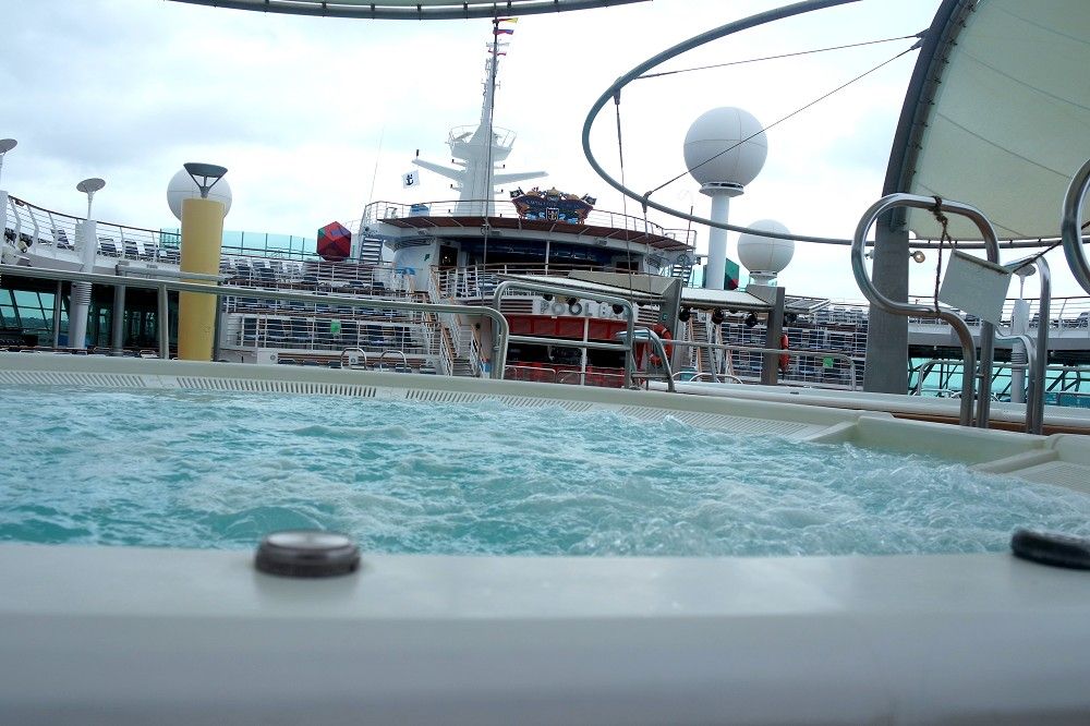 Navigator of the Seas outdoor hot tub