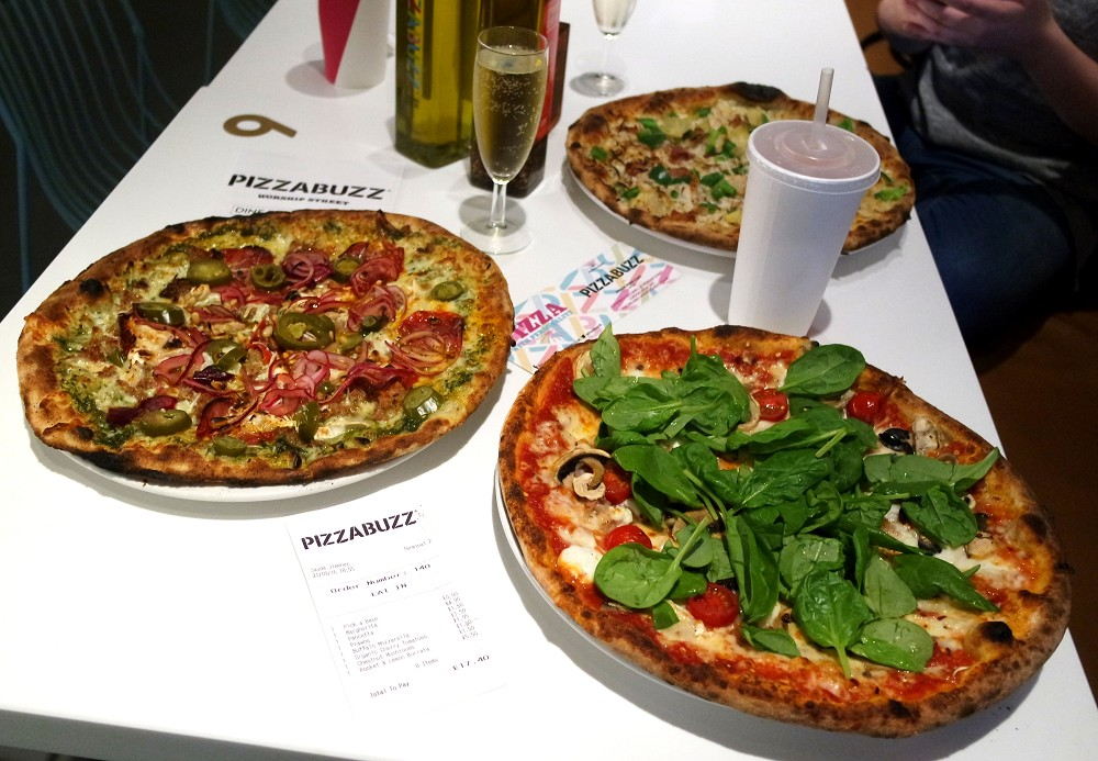 Pizza Buzz restaurant Moorgate London
