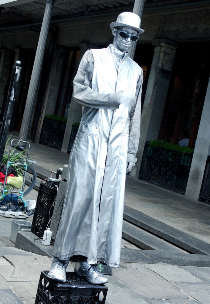 New Orleans human statue