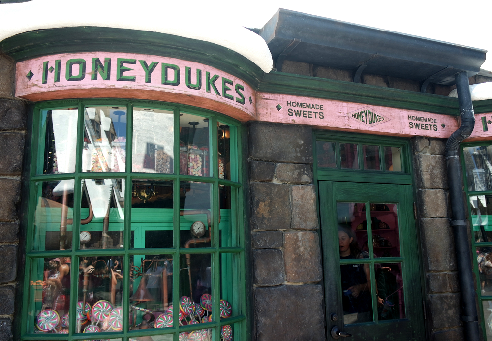 Honeydukes, Hogsmeade, Universal Studios, Florida