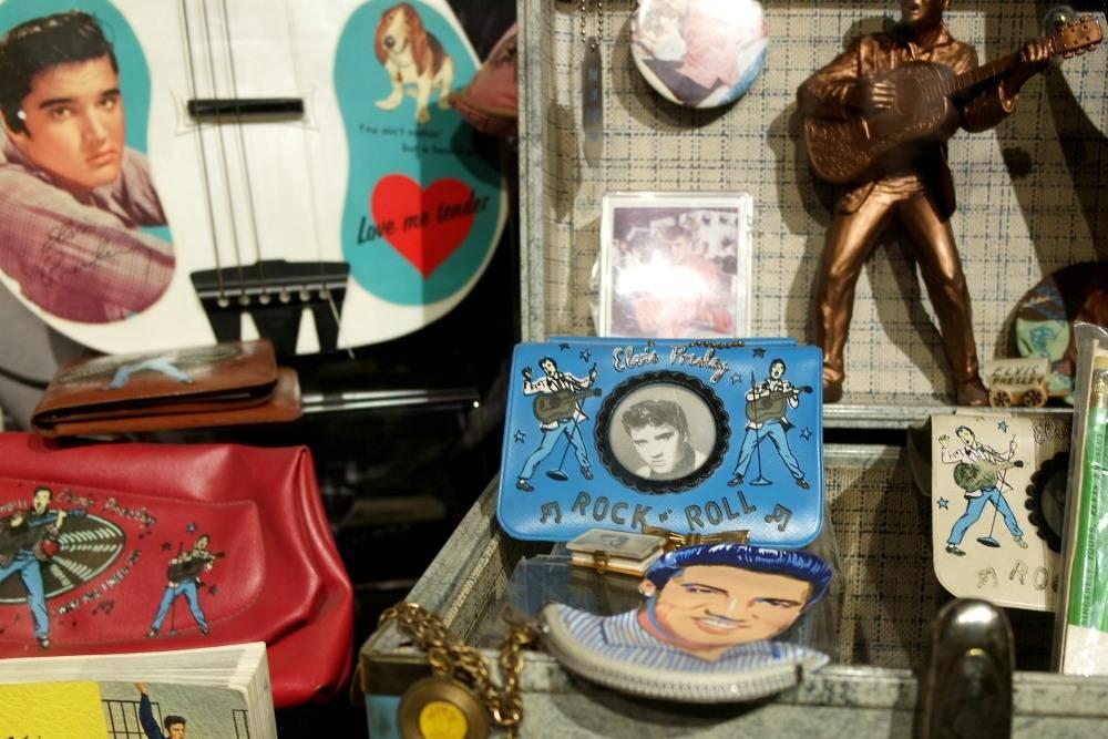 Elvis memorabilia, Graceland tour