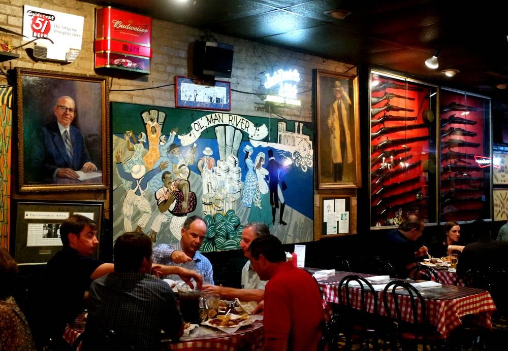 Rendezvous ribs review, Memphis