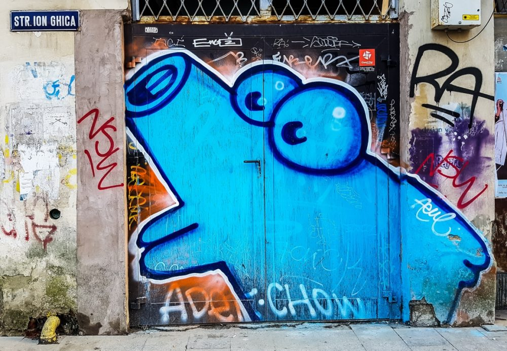 A cheap city break in Bucharest - Street art spotting