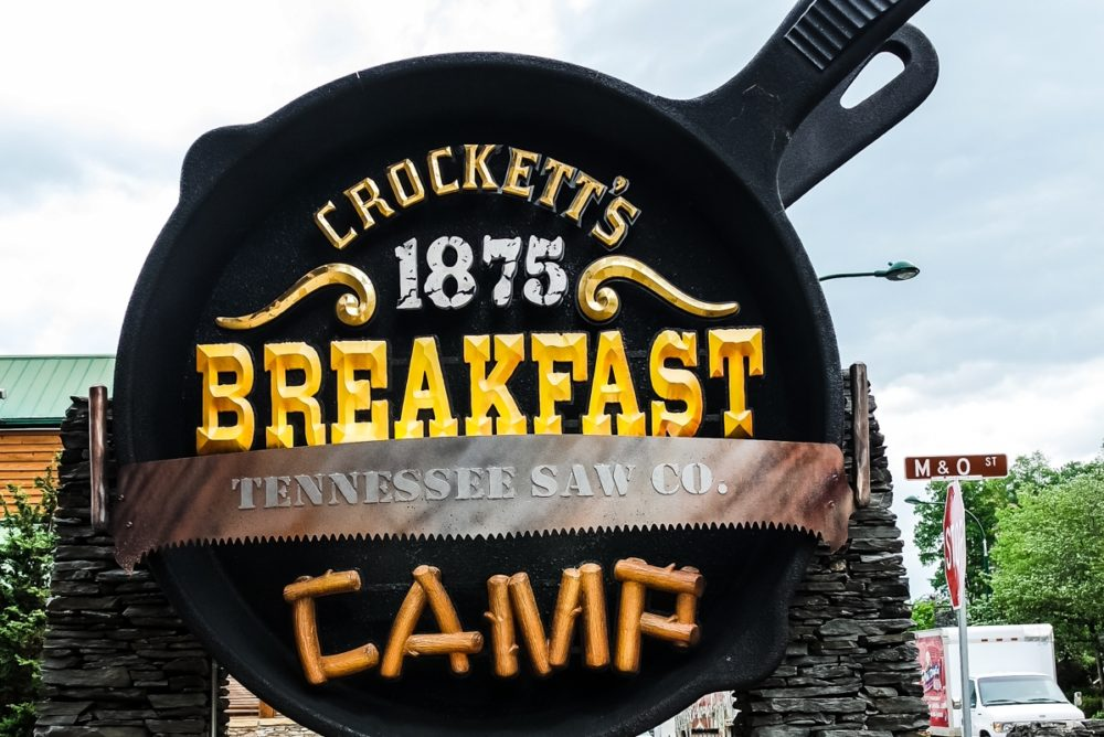 Crockett's Breakfast Camp, Gatlinburg