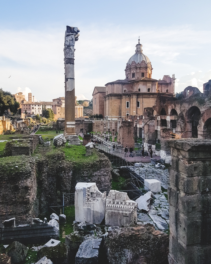 Sights to see in Rome: The Roman Forum