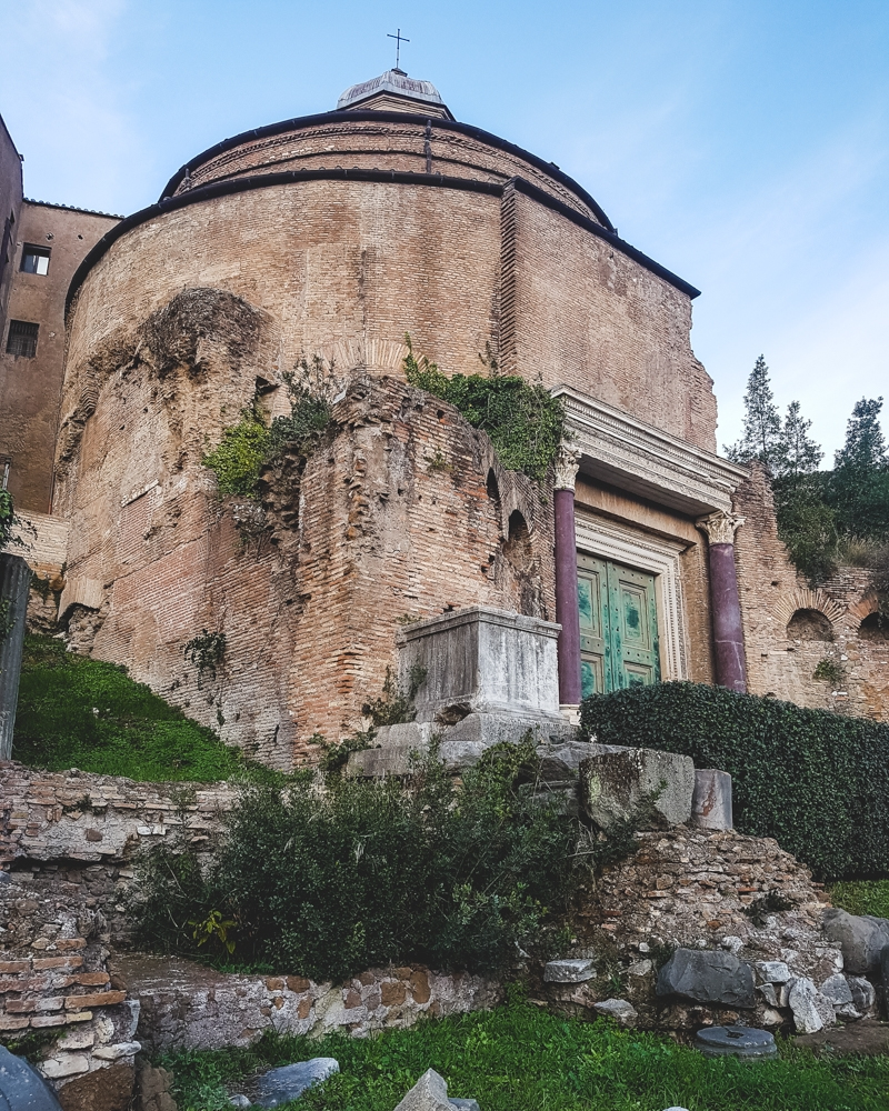 Building in the Roman Forum