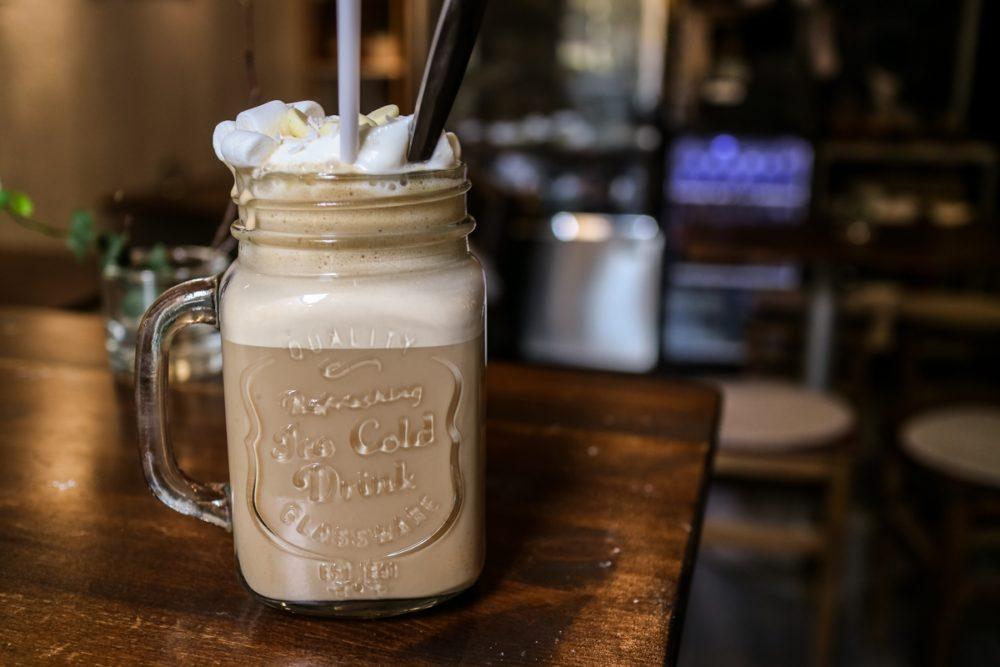 White chocolate latte at Sara's Art and Coffee