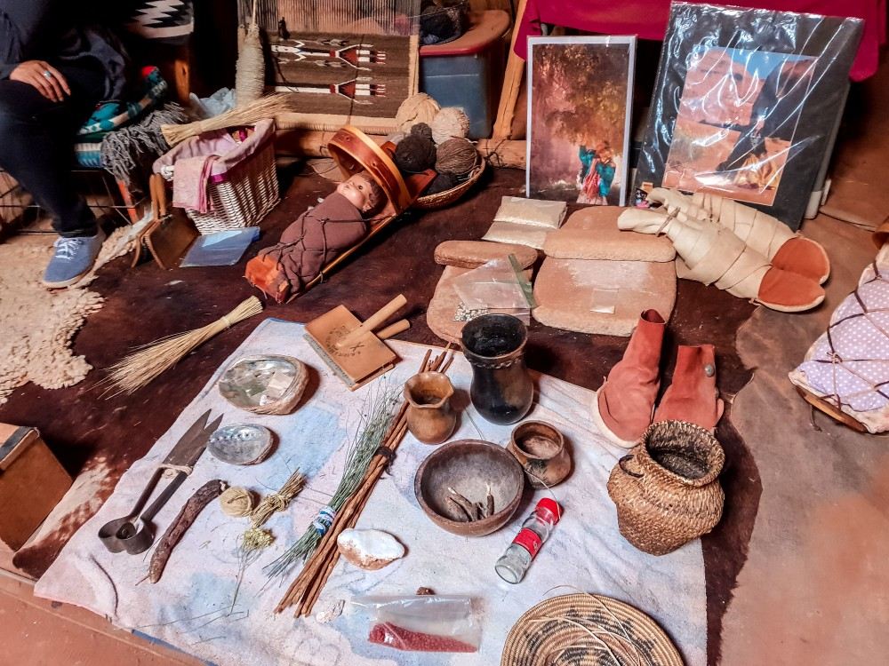 Selection of traditional Navajo crafts in Monument Valley, Utah | What to do at Monument Valley #monumentvalley #navajo #travelblog #utah #usatravel