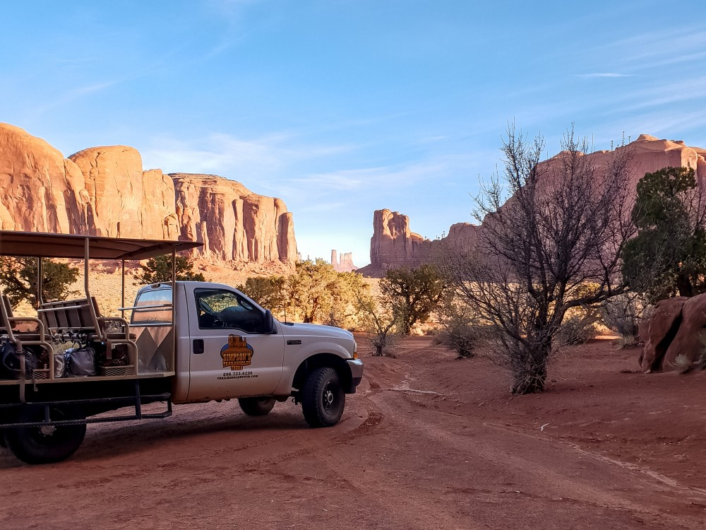 View of Monument Valley, Utah, from inside the Navajo reservation | What to do at Monument Valley #monumentvalley #navajo #travelblog #utah #usatravel
