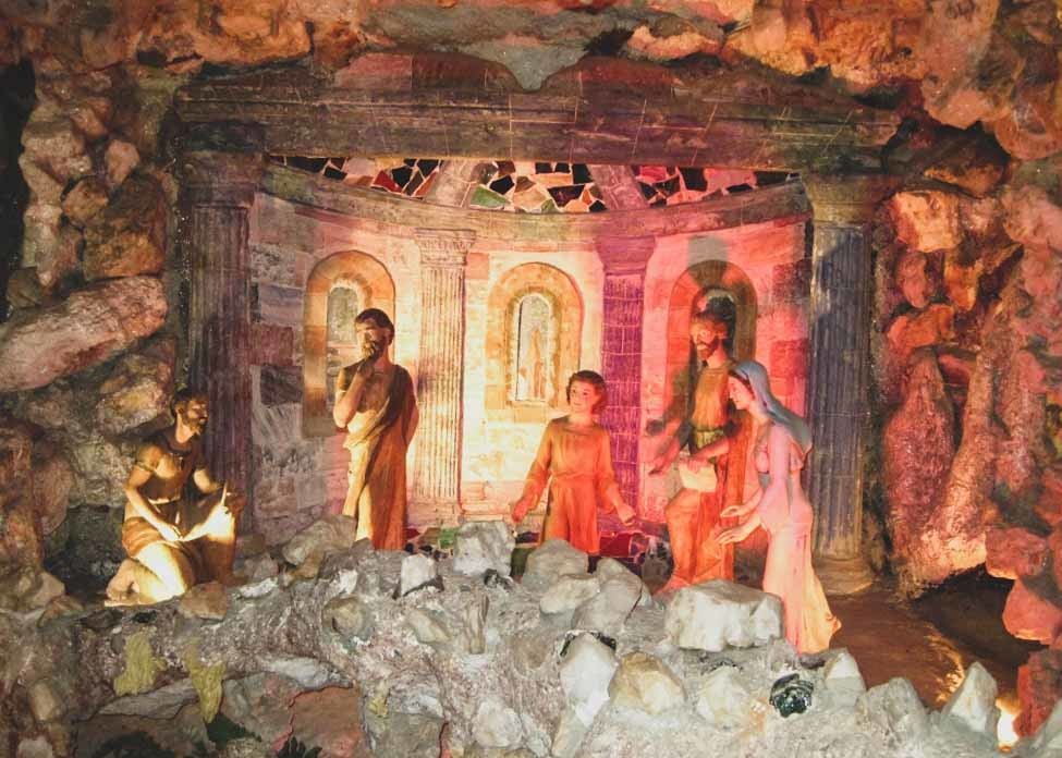 Crystal Grotto in Memphis, Tennessee